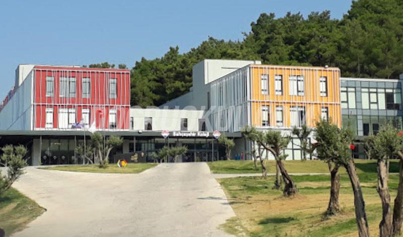 Bahçeşehir Koleji İzmir 50. Yıl Anadolu Lisesi