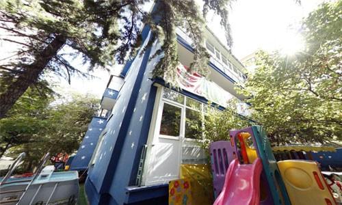 Özel Tan Mavi Beyaz Çocuk Evi